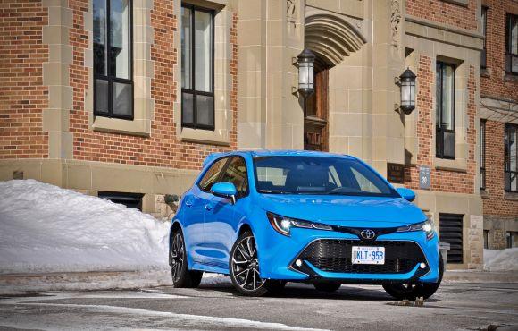 Toyota Corolla Hybrid Hatchback 1